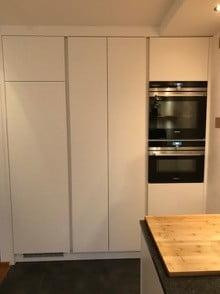 Brede kast in keuken