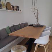 wandbank bij de eettafel