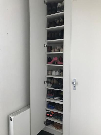 Schoenenkast Voor In De Hal.Schoenenkast In Hal Op Maat Gemaakt Meubel Maatwerk