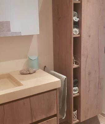 Badkamermeubel in houtlook Italiaanse leverancier