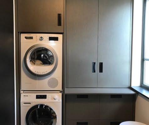 Wasmachine kast met groene afwerking