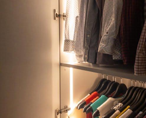 Garderobekast met verlichting